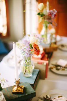 Whimsical vow renewal in Portland: http://www.stylemepretty.com/oregon-weddings/portland/2014/07/25/whimsical-vow-renewal-in-portland/ | Photography: http://karenobrist.com//index2.php#!/HOME