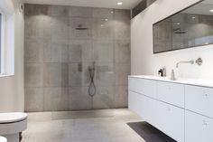 Minimalistic danish bathroom / Københavns Møbelsnedkeri