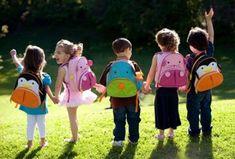 6 Συμβουλές για να προσαρμοστεί εύκολα το παιδί στο σχολείο!   ediva.gr Back To School Organization, Back To School Hacks, School Tips, Night Time Routine, Morning Routines, Dating Humor Quotes, Backpacking Tips, School Readiness, Cover Pics