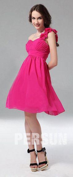 5e7335b2767 Robe fuchsia asymétrique pour soirée mariage orné de fleurs