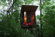 Fort Friday. Treehouse via modfrugal