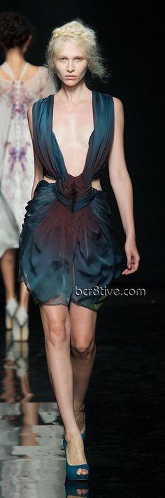 Yiqing Yin Fall Winter 2012 Paris Couture Collection