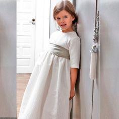http://petritas.com/tienda/154-thickbox_default/vestido-comunion-canutillo-beige.jpg