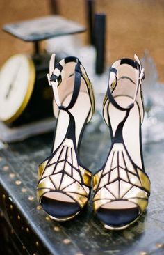Art deco shoes...if I could wear heals