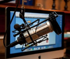 How to Start a Business Podcast - 4 tips to set you down the path of podcasting success http://www.socialmediaexaminer.com/how-to-start-a-business-podcast/