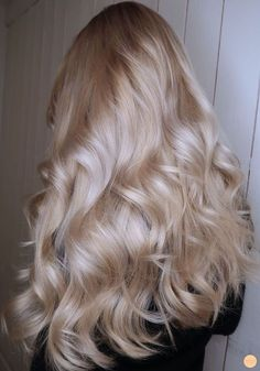 71 most popular ideas for blonde ombre hair color - Hairstyles Trends Frontal Hairstyles, Cool Hairstyles, Long Blonde Hairstyles, Female Hairstyles, Hairstyles Haircuts, Wavy Hair, Dyed Hair, Frizzy Hair, Hair Updo