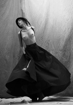 Photographer: Khoa Bui Wardrobe Stylist: Andrea De Araujo Make-up Artist: Nathan Hejl Hair Stylist: Ashley Lynn Hall Model: Vera Hyvämäkis