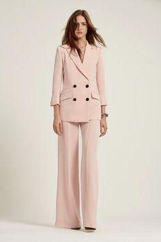 ~ Living a Beautiful Life ~ Diane von Furstenberg Spring 2019 Ready-to-Wear Collection - Vogue Suit Fashion, Work Fashion, Modest Fashion, Fashion Advice, Fashion Show, Fashion Dresses, Fashion Design, 50 Fashion, Ladies Fashion