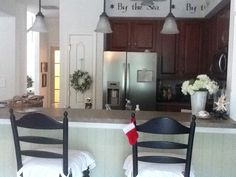 Vintage On A Dime! Seaside Cottage Decor...: Addicted To Decorating!!!!!!