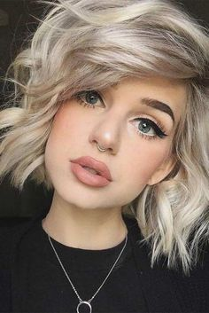 Trendy Messy Bob Hairstyles You Might Wish to Try! ★ See more: lovehairstyles…. Trendy Messy Bob Hairstyles You Might Wish Messy Bob Hairstyles, Fringe Hairstyles, Winter Hairstyles, Older Women Hairstyles, Wedding Hairstyles, Drawing Hairstyles, Celebrity Hairstyles, Hairstyles Haircuts, Bouffant Hairstyles
