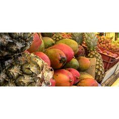market fruits abacaxi manga
