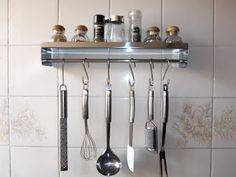 Gilberto Ari Fetzer: Prateleira-suporte para acessórios de cozinha port...