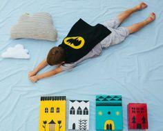 Foto niños superheroes Divertirse haciendo fotos: Los superhéroes en casa!!