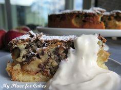 æblekage med chokolade Danish Cake, Danish Dessert, Danish Food, Dessert Drinks, Paleo Dessert, Delicious Chocolate, Delicious Desserts, Cake Recipes, Dessert Recipes