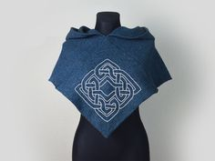 Viking Hood Skjoldehamn Hood with celtic knot embroidery