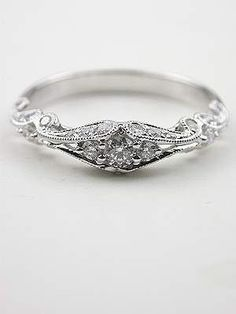 Swirling Diamond Wedding Band - Wedding look