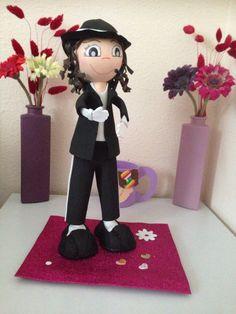 Fofucha niña vestida Michael Jackson Mapi fofucha