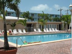 An affordable vacation getaway with all the amenities at Boatman's Sombrero Resort in marathon Florida.