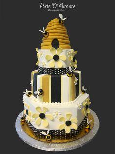 very cute bee hive cake!