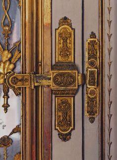 """lesliaisonsdemarieantoinette: """" LES LIAISONS DE MARIE ANTOINETTE : BOLT ON THE DOOR OF LE CABINET DE MÉRIDIENNE DE .A MARIE ANTOINETTE REFERENCE : """"VERSAILLES, A PRIVATE INVITATION"""" GUILLAUME PICON..."""