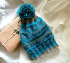 Blue bonnet Tuque knitted acrylic for women - pinned by pin4etsy.com