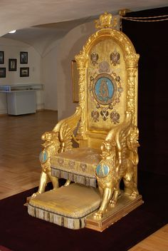 Royal Russia News offers news clips, videos and photographs about the Romanov dynasty and their legacy, monarchy, and the history of Imperial and Holy Russia from Russian media sources. Throne Chair, Throne Room, Antique Chairs, Antique Furniture, Tsar Nicolas Ii, Tsar Nicholas, Royal Chair, Royal Throne, Ukraine