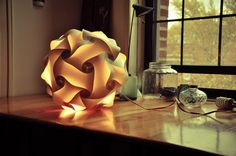 DIY foto návod: Stylové svítidlo z papíru vlastníma rukama