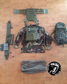 Another loadout by Spillo. If you like our contents #follow us!  Un altro setup di Spillo. Se ti piacciono i nostri contenuti seguici!  Follow @hitman_the_sniper for great contents!  #airsoft #airsoftgun #airsoftinternational #softair #softairitalia #milsim  #colt #glock  #aimpoint #lonevipers #milsim #atacs #Green #softairitalia #softairitaly #airsoftitaly #jpc #emerson #loadout #military #loadoutgrid @airsoft.worldwide @airsoftglobus @airsoft.seals @airsoft @olimposoftair @airsoft.news…