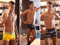 Oh snap hahaha hot daymn Soccer Guys, Soccer Players, Neymar Jr, Chaning Tatum, Cr7 Junior, Best Friends Brother, Mode Man, James Rodriguez, Boys Underwear