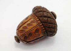 A Superb Georgian Carved Coquilla nut Nutmeg Grater Fall Clip Art, Acorn Crafts, Acorn And Oak, Mighty Oaks, Spoon Art, Little Acorns, Small Wood Projects, Oak Leaves, Wood Lathe