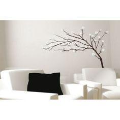 Chcete oživit zdi ve Vaší domácnost? Použijte samolepky na zeď! Vybírat můžete z naší široké nabídky samolepek na zeď různých druhů za nejlepší ceny.