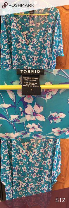 "Torrid 4 blue floral button down top Torrid 4 floral button down top approx28"" from shoulder short sleeve Torrid Tops Tees - Short Sleeve"
