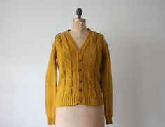 Nice vintage cable sweater