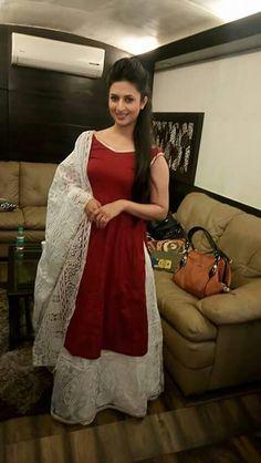 Superb Salwar Neck Designs, Half Saree Designs, Beautiful Dress Designs, Beautiful Suit, Choli Dress, Kurta Style, Indian Designer Suits, Types Of Dresses, Bollywood Fashion