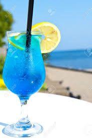 Afbeeldingsresultaat voor blue curacao cocktail