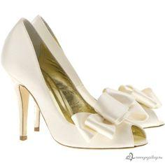 Elegáns és nőies esküvői cipők a Freya Rose Londontól - galéria -  menyegzolap.hu Designer 1a94fa717e