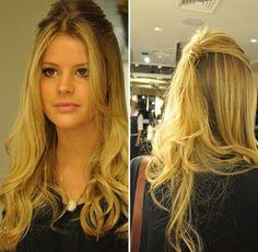 Para noivinhas que nao querem o cabelo preso para o grande dia, vejam que delicadeza desse penteado que é bem simples e lindo!!!!