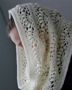 Lace Scarf Pattern Lace Shawl and Wrap Knitting Patterns for the Love Of Lace 8 Lovely Lace Knitting Patterns Lace Scarf Pattern . Shawls for Bulky Yarn Knitting Patterns Foldi Frost Flower Lace Shawl Free Machine Knitting Pattern. Crochet Diy, Crochet Unique, Beau Crochet, Bonnet Crochet, Mode Crochet, Beautiful Crochet, Crochet Crafts, Single Crochet, Crochet Hooks