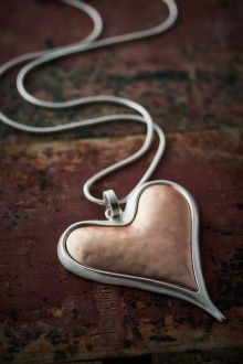 Discover Belle Love Clothing's collection of fashion jewellery online. Buy trendy heart necklaces, drop necklaces, multi-strand bracelets & more. Fashion Jewellery Online, Online Mobile, Love Clothing, Store Online, Gold Heart, Drop Necklace, Rose Gold, Italy, Bracelets