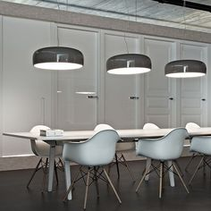 Smithfield S: Discover the Flos suspended lamp model Smithfield S