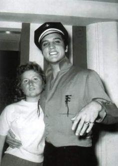 Elvis october 1956 wearing his green jacket.
