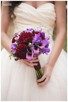 AVAM wedding bouquet. Photo by Love Life Images.
