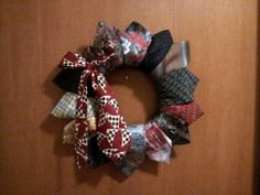 Wreath crafts can be made from just about anything! You can make your own wreath using old ties from the men in your household. There's nothing more original or fun than this Christmas decoration.