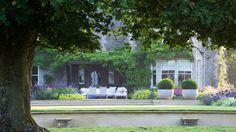 Classic contemporary garden in the Cotswolds - Marcus Barnett Landscape and Garden Design Love Garden, Garden Pool, Dream Garden, Hill Garden, Landscape Design, Garden Design, English Country Gardens, Organic Gardening Tips, Formal Gardens