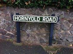 I was just on this road today in fact. It's in Malvern :)  The nice lady who lives in Susan's Sat Nav had a real problem pronouncing it LOL