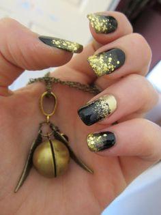 black/gold nails <3 #FeelingBeautiful #BlackandGold #facialmask