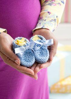 Free crochet pattern: Beautiful baby booties