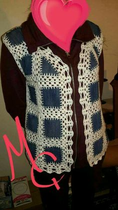 This Pin was discovered by nih Crochet Vest Pattern, Crochet Shirt, Crochet Jacket, Crochet Patterns, Sewing Clothes, Crochet Clothes, Easy Crochet, Knit Crochet, Recycled Denim