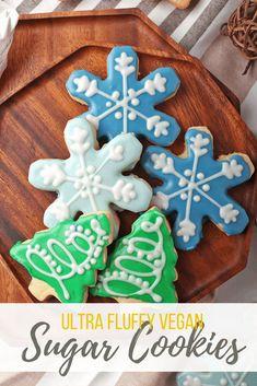 Vegan Sugar Cookies, Sugar Cookie Icing, Cookie Frosting, Dairy Free Baking, Vegan Baking, Vegan Treats, Vegan Desserts, Vegan Christmas Cookies, Christmas Recipes