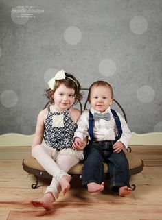 Amanda Abraham Photography, Inc specializing in newborn and child portrait photography, in home studio in Metro Detroit. Using a creamy soft and earth toned color scheme for your children's photo sessions. www.amandaabrahamphotography.com